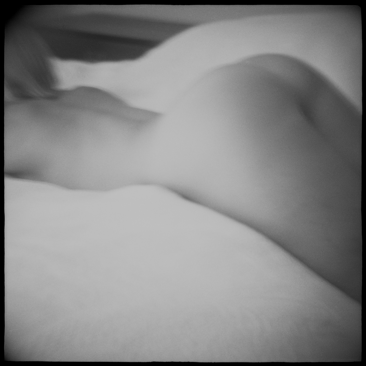 """curve nude black and white"""