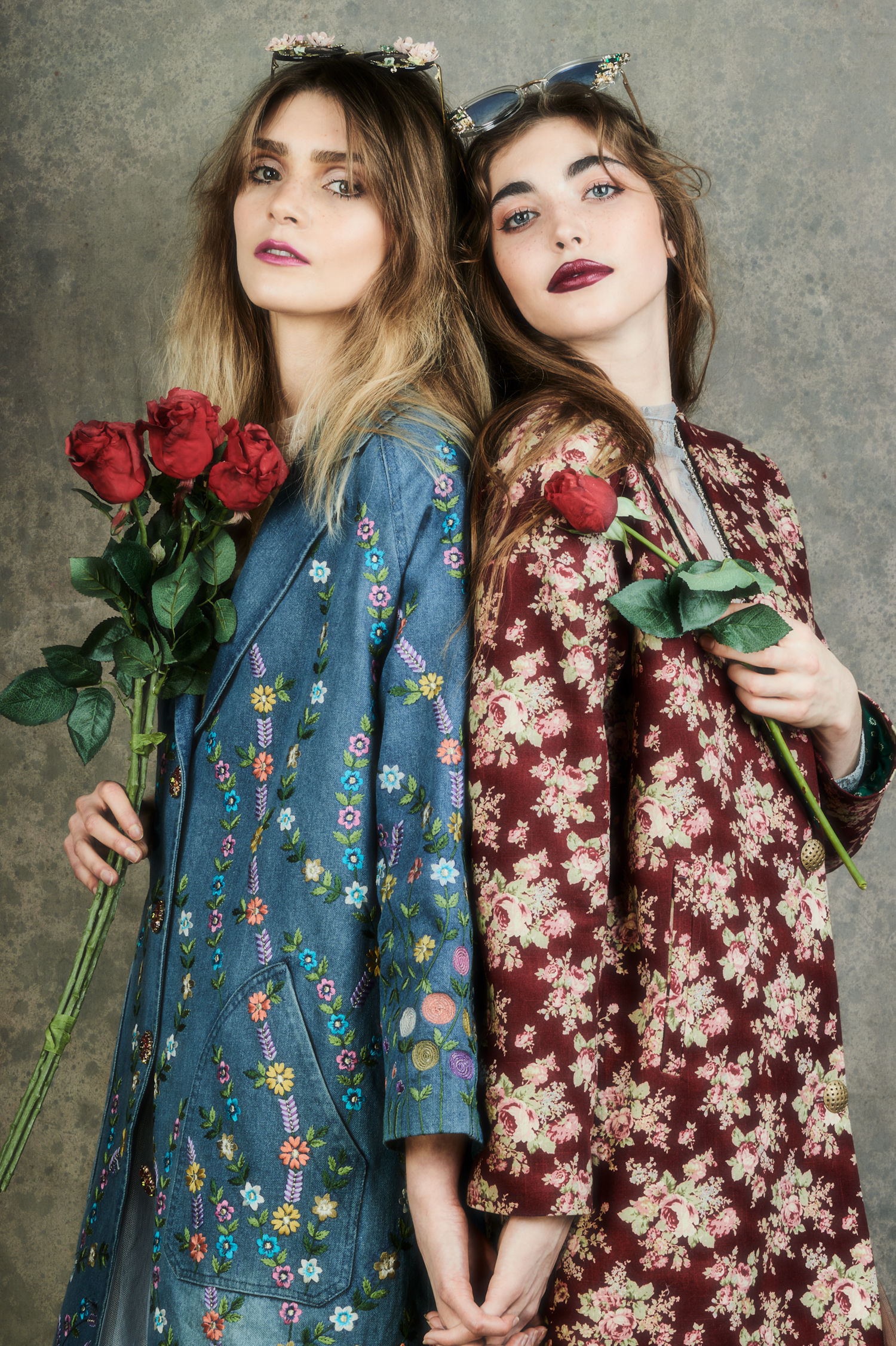 """beautiful hippy styled women with roses"""