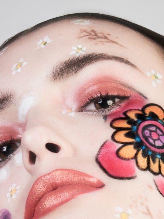"""""""Flower MakeUp"""""""