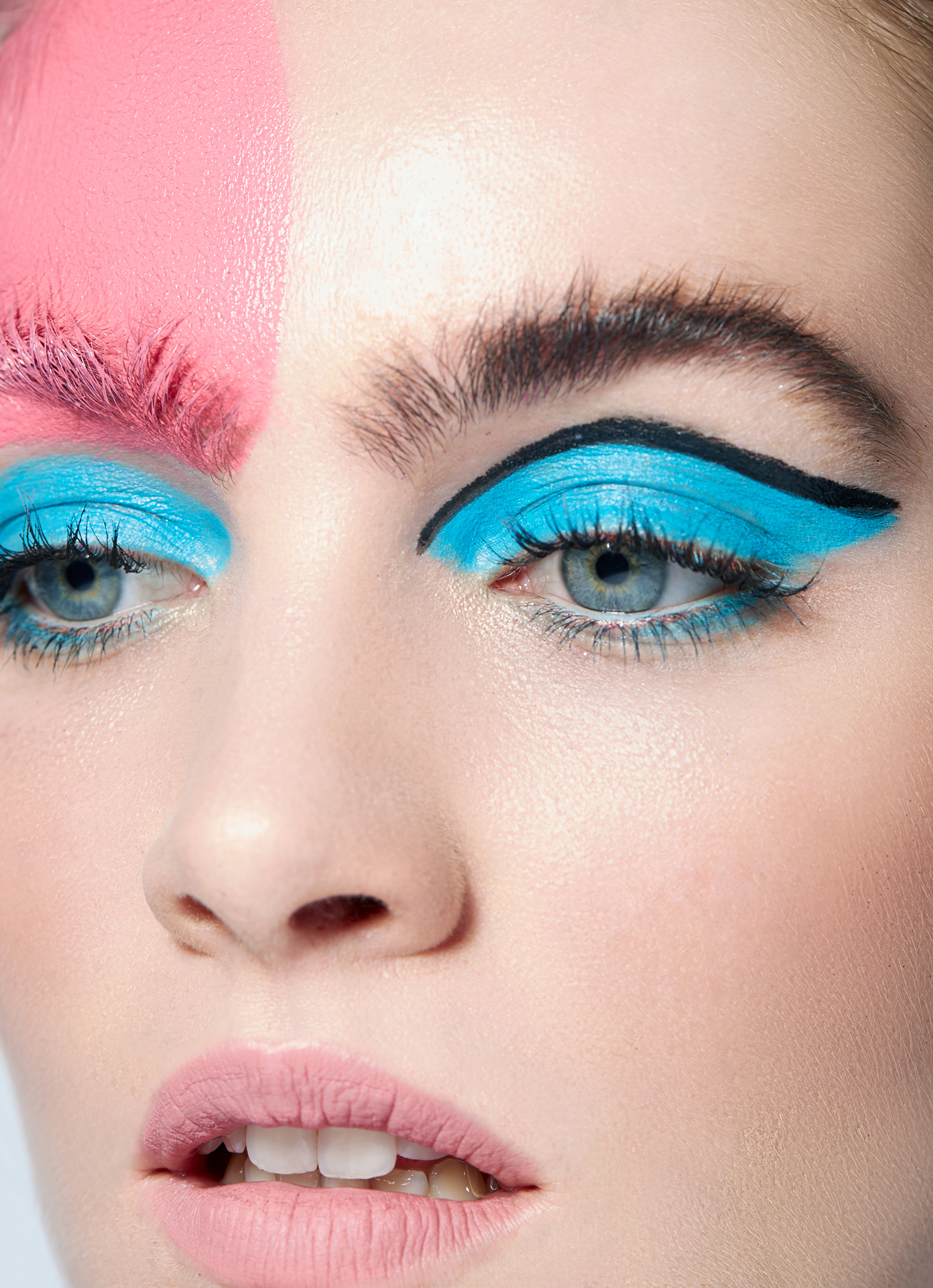 """Blue Eye shadow MakeUp"""